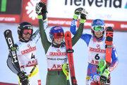 Zľava Anna Swenn-Larssonová, Mikaela Shiffrinová a Petra Vlhová.