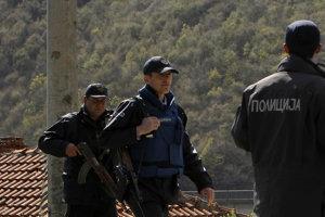 Polícia zadržala migrantov, ktorí pravdepodobne smerovali do Srbska.