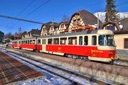 Na snímke historická električka EMU 89.0009 známa ako Trojča číslo 9 v železničnej stanici Starý Smokovec vo Vysokých Tatrách.