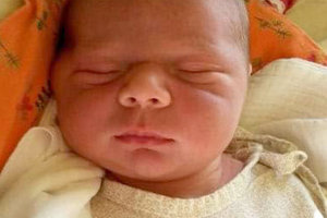 Simonka Kuníkova sa narodila rodičom Ľubici a Petrovi z Nižnej.  Na svet prišla 20. januára, vážila 4000 g a merala 52 cm. Doma sa z nej teší Viktória.