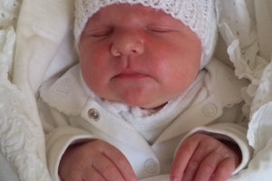 Diana Pisarčíková sa narodila rodičom Daniele a Ondrejovi z Oravského Veselého. Na svet prišla 2. februára, vážila 3950 g a merala 51 cm. Doma ju čaká Daniela a Matej.