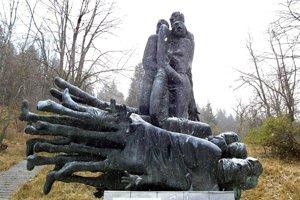 Jankovičov putujúci pamätník Obete varujú v čase, keď bol umiestnený na Kališti. Dnes je súčasťou Múzea SNP.