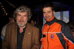 S uznávaným horolezcom Reinholdom Messnerom.
