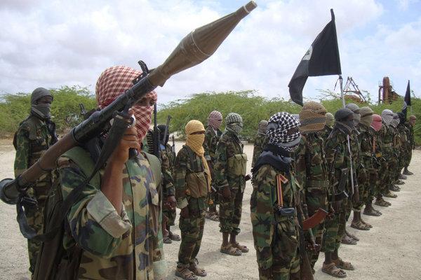 Bojovníci teroristickej skupiny aš-Šabáb.