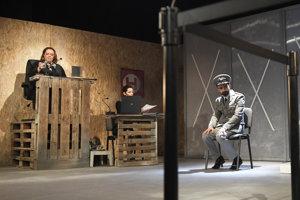 Skúška drámy Teror v divadle Thália.