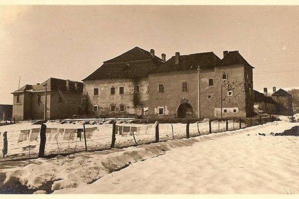 Slávny Soví hrad je dnes už minulosťou, približne na jeho mieste sa rozprestiera hypermarket.