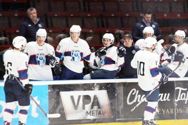 Juniori MMHK Nitra sa v stredu tešili z víťazstva v pomere 5:1.
