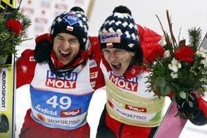 Dawid Kubacki (vpravo) a Kamil Stoch.