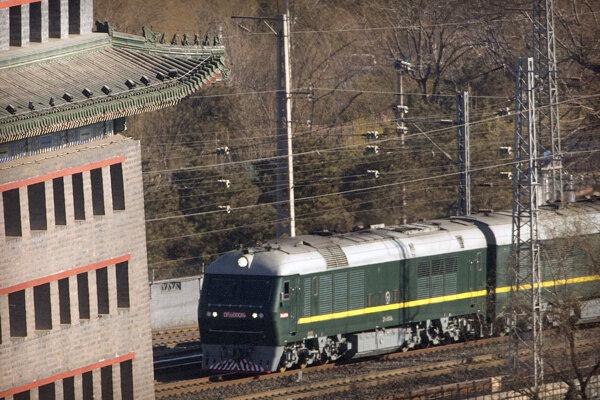 Vlak s Kimom smeruje po summite s Donaldom Trumpom priamo do KĽDR.