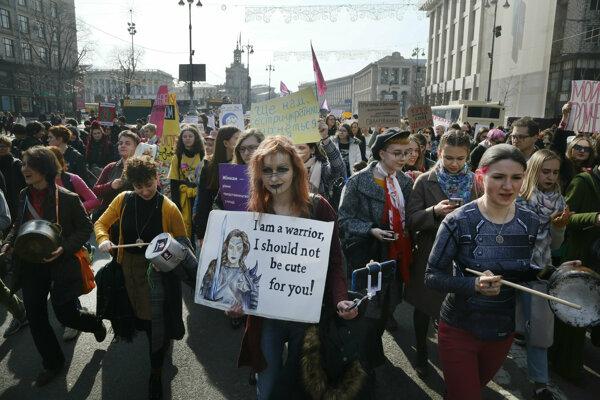 Protest žien v ukrajinskom Kyjeve.