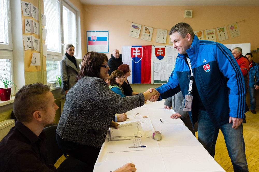 Predsedu Národnej rady Petra Pellegriniho vítali pod Chopkom v obci Demänová.