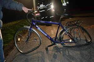 Cyklista zrážku neprežil.