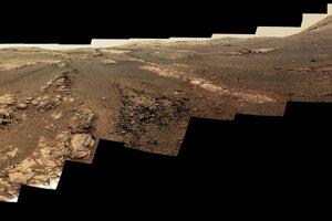 Posledná 360 stupňová panoráma z roveru Opportunity. Vznikala od 13. mája do 10. júna 2018. Snímka ukazuje reálne farby. Jednotlivé časti si môžete pozrieť na ďalších obrázkoch v galérii.