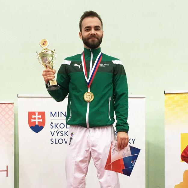 Šampión René Adler.