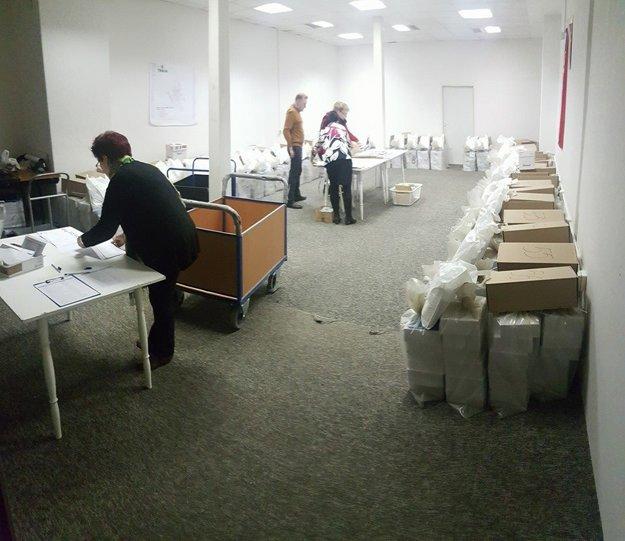 Volebná administratíva ešte pred odovzdaním.