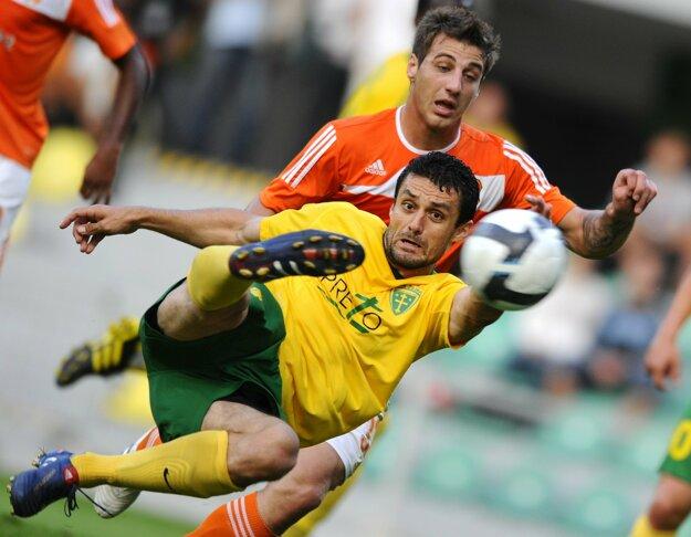 Tomáš Oravec (v žltom drese).