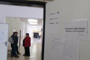 Volebný okrsok číslo 13 v Čadci.
