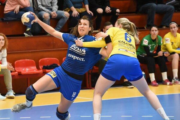 Dnešný semifinálový zápas pre zranenie nedohrala najskúsenejšia hráčka Šale Ivana Bahýlová.
