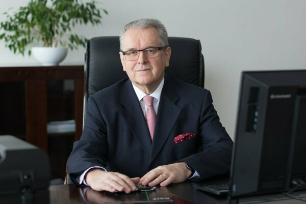 Peter Magvaši bol vMoravčíkovej vláde ministrom hospodárstva.