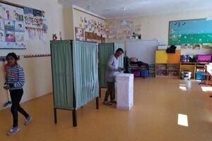 Markušovčanka z Jarečka prišla voliť naobed.