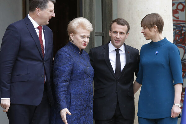Lotyššský prezdient Raimonds Vejonis, prezidentka Litvy Dalia Grybauskaite, francúzsky prezident Emmanuel Macron  a prezidentka Estónska Kersti Kaljulaidová.