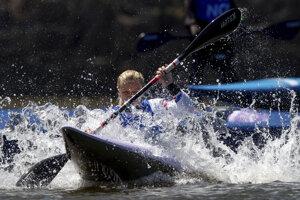 Vodný slalom. (Ilustračný obrázok)