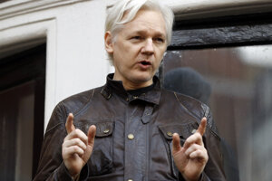 Zakladateľ organizácie WikiLeaks Julian Assange.