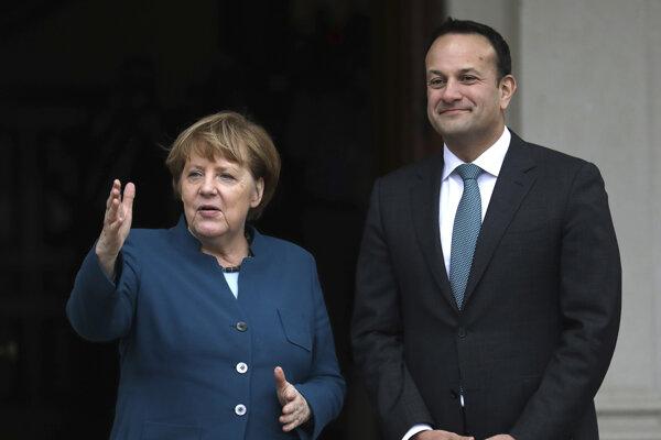 Nemecká kancelárka Angela Merkelová počas stretnutia s írskym premiérom Leom Varadkarom.