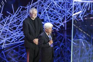 režisér Martin Šulík a producent Rudolf Biermann si preberajú ocenenie Slnko v sieti v kategórii Najlepší hraný film.