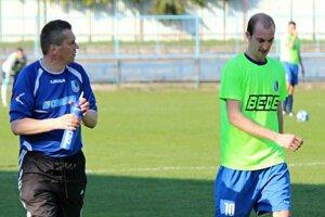 Tréner Pavol Bača môže byť s výkonmi hráčov Dolného Kubína zatiaľ veľmi spokojný.