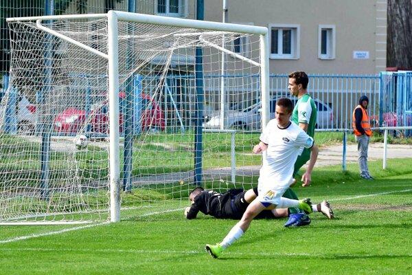 Ondrej Vrábel strelil dva góly do siete Nových Zámkov.