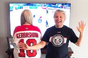 Kale Kerbashian má doma v Kanade veľkých fanúšikov - na snímke otec Tim a sestra Kendall.