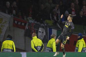 Hosťujúci Cristiano Ronaldo sa teší zo svojho gólu.