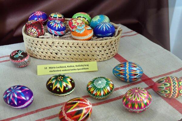 Výstava veľkonočných kraslíc zdobených najrozličnejšími spôsobmi pod názvom Trebišovski pisanki.