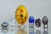 Vajíčka vytvorené novohradskými sklármi.