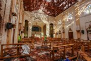 Zničený kostol sv. Sebastiána po explózii v meste Negombo na Srí Lanke.