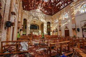 Zničený kostol sv. Sebastiána po explózii v meste Negombo na Srí Lanke počas Veľkej noci v roku 2019.
