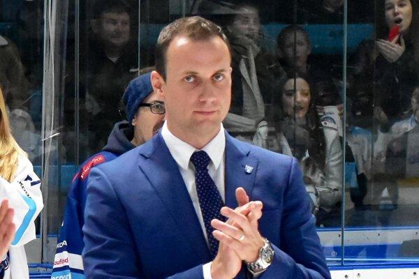 """""""Verím, že sa mesto postaví k hokeju tak, ako si to najlepší fanúšikovia zaslúžia,"""" hovorí riaditeľ Miroslav Kováčik."""