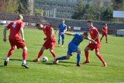 Pov. Bystrica (v červenom) si hladko poradila s Gabčíkovom.