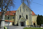Farský kostol v Humennom sa pripravuje na obnovu.