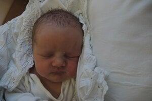 Ema Sadovská (3360 g, 50 cm) sa narodila 16. apríla Lenka a Gabrielovi z Nového Mesta nad Váhom.