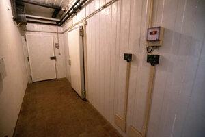 Chodby vedúce k chladiarňam pripomínajú kryty.