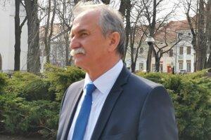 Primátor Pavol Bečarik, mesto nepodalo žiadosť o vyradenie MŠ.