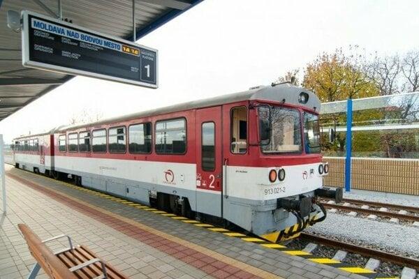 Vlak v Moldave nad Bodvou.