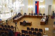 Na snímke členovia Ústavnoprávneho výboru Národnej rady SR počas vypočúvania kandidátov na sudcov Ústavného súd.