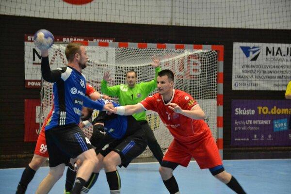 Pov. Bystrici (v červenom) chýba k postupu do finále už iba jedna výhra.