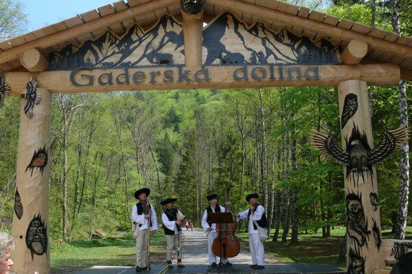 Vstupná brána do Gaderskej doliny.
