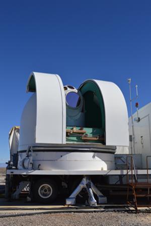 Pozemný laserový systém, ktorý otestovali na raketovej strelnici White Sands v Novom Mexiku. KLIKNITE PRE ZVÄČŠENIE.