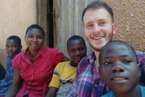 Patrik Štekel v Ugande.