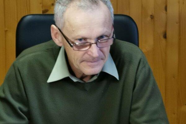 Ján Tancár, riaditeľ mestských lesov, návrh na jeho odvolanie poslanci nepodporili.